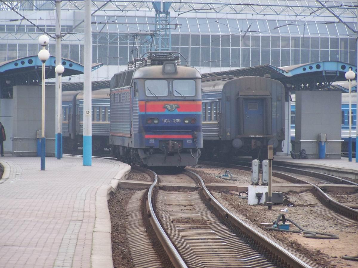 Електровоз ЧС4-209, ст. Київ-Пасс.