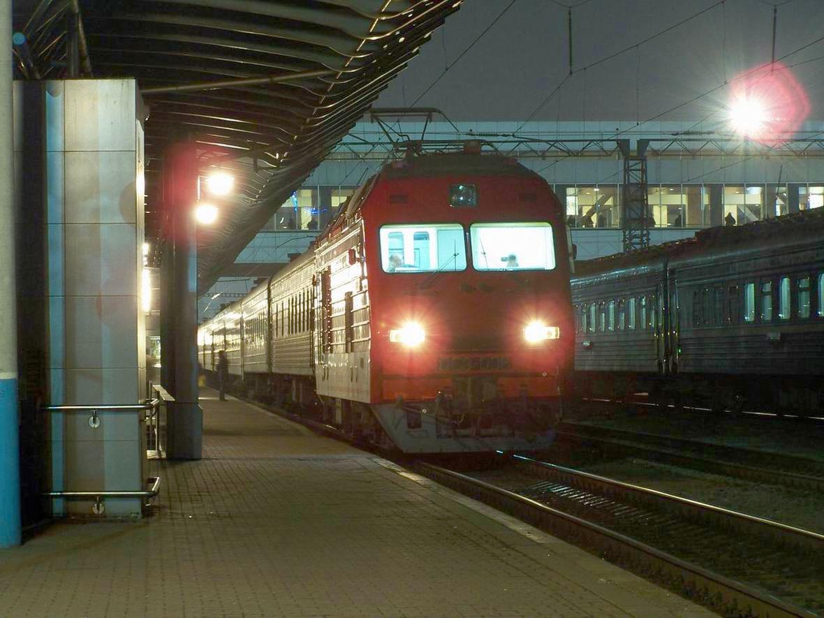 Електровози ДС3-006, ст. Київ-Пасс.