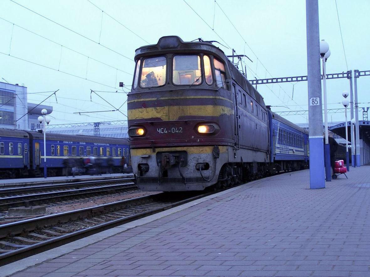 Електровоз ЧС4-042, ст. Київ-Пасс.