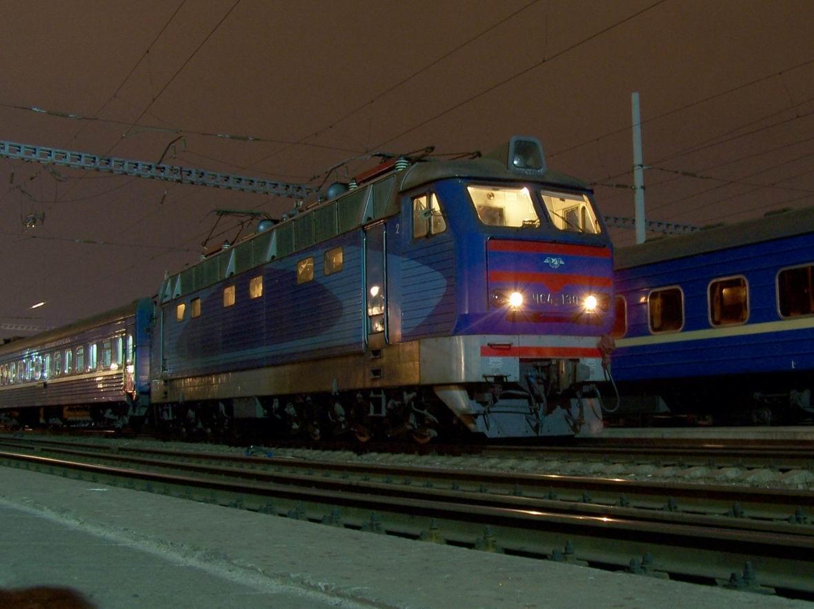 Електровоз ЧС4-130, ст. Київ-Пас.