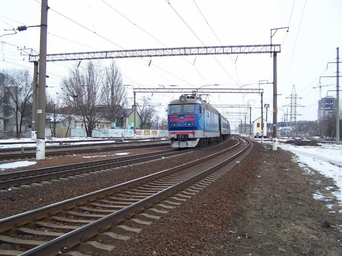 Електровоз ЧС4-017, північна горловина ст. Київ-Московський