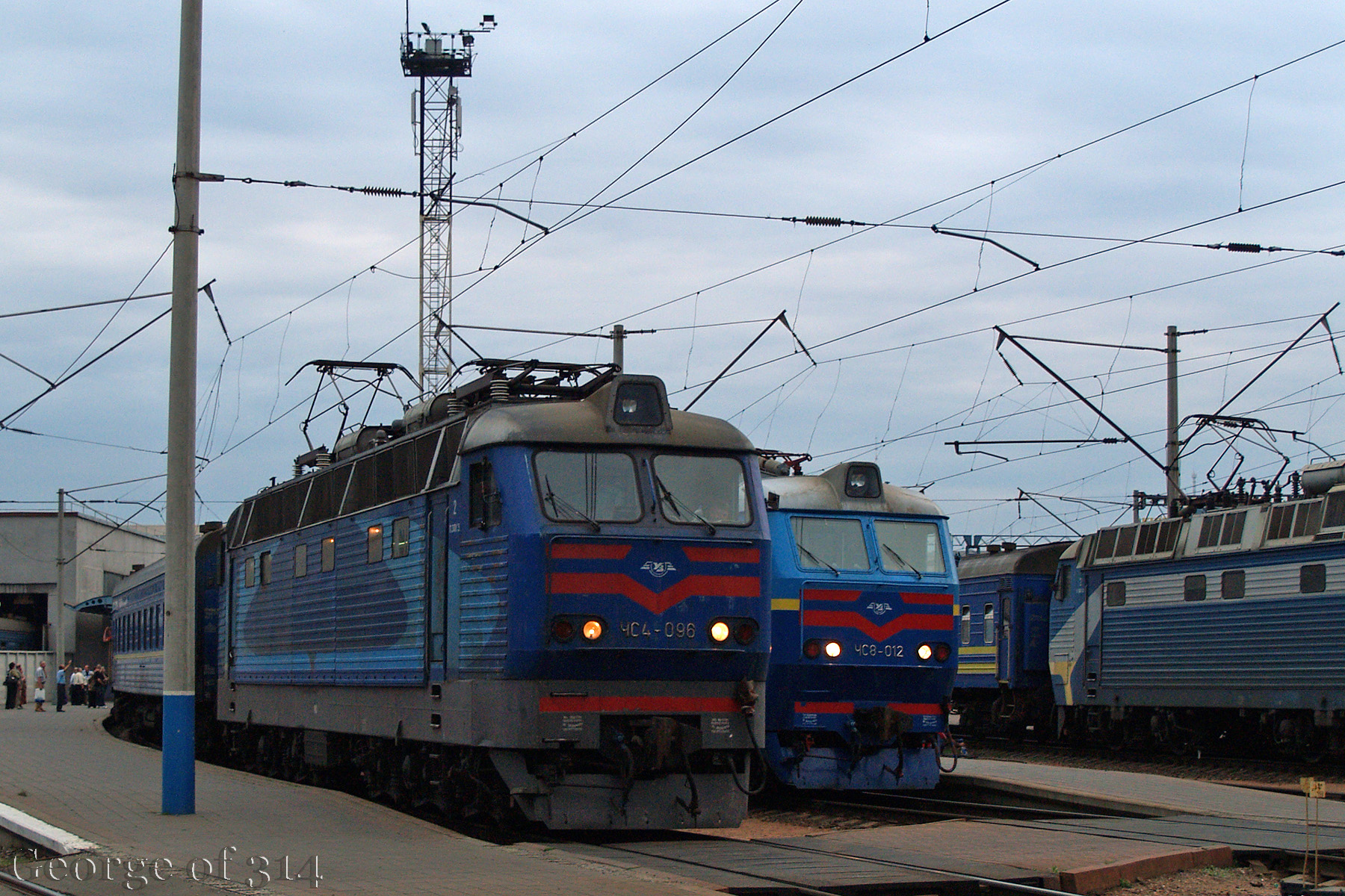 Електровози ЧС4-096, ЧС8-012, ст. Київ-Пасажирський