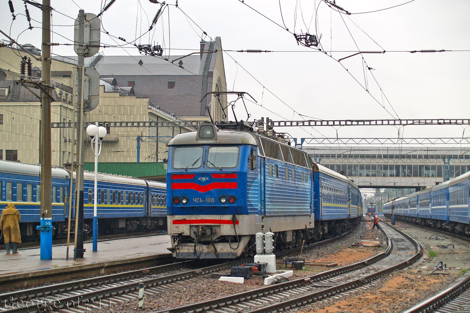 Електровоз ЧС4-186, ст. Київ-Пасажирський