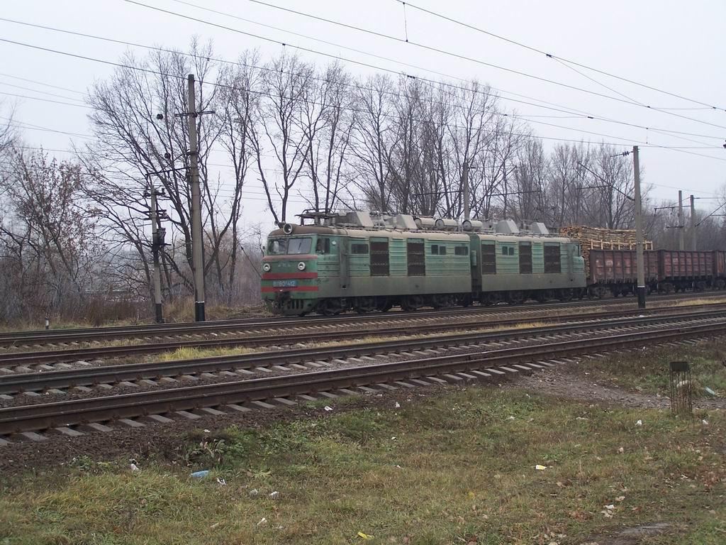 ВЛ80к-412 на перегоні Київ-Волинський-Вишневе, м. Київ