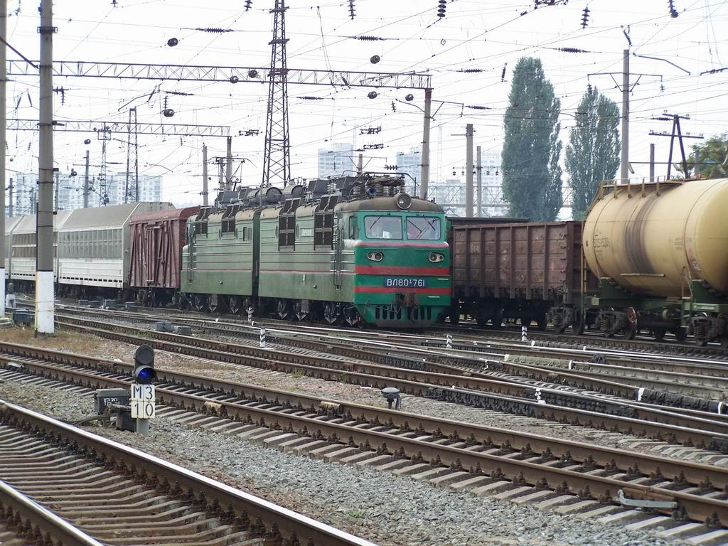 ВЛ80т-761 на ст. Дарниця, м. Київ