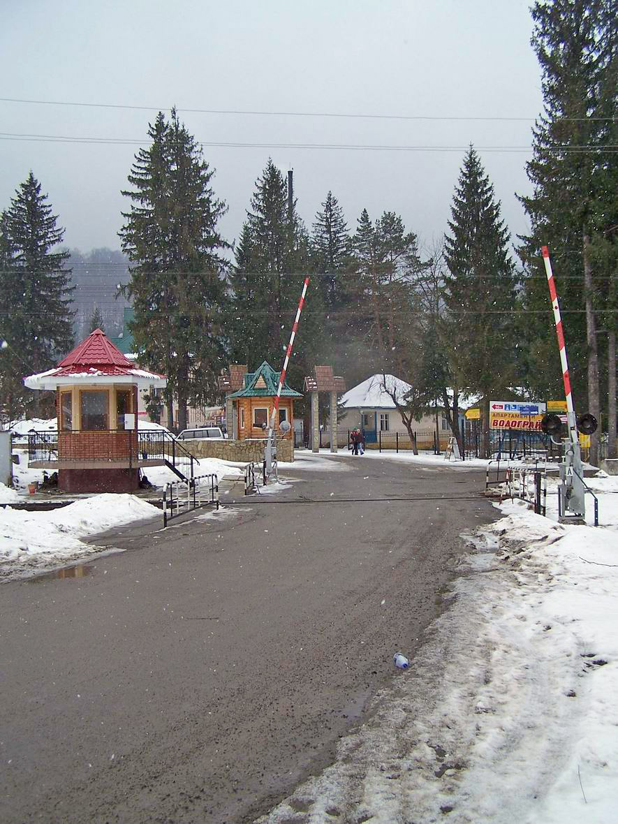 Переїзд на перегоні Яремча-Микуличин, м. Яремче