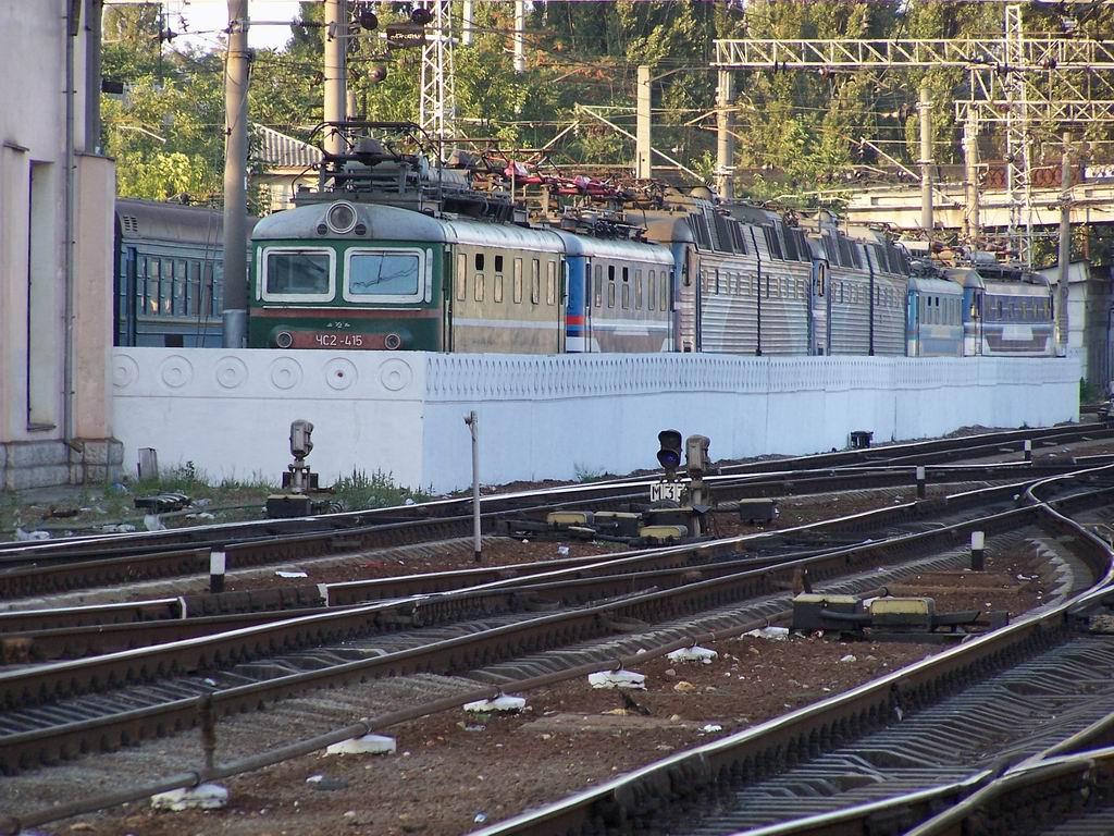 Електровози ЧС в локомотивному депо №5 ст. Симферопіль
