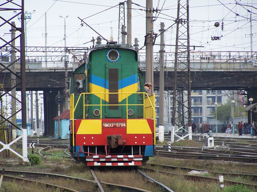 ЧМЕ3т-5794 на ст. Дарниця, Київ