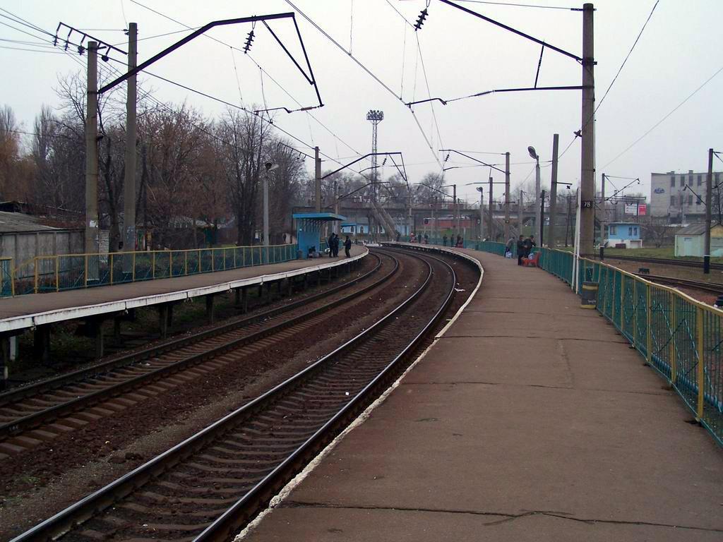 Платформи 1 та 2 (Святошинський напрямок) станції Київ-Волинський