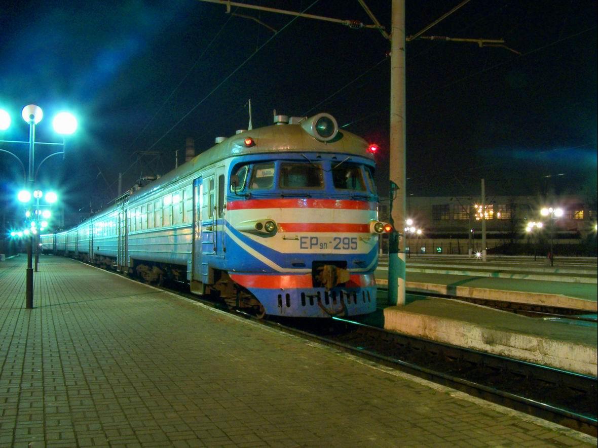 Електропоїзд ЕР9П-295, ст. Львів