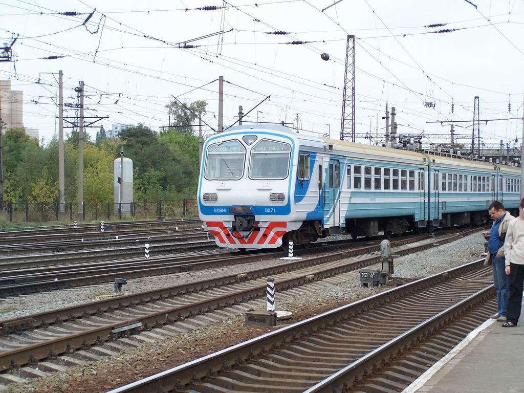 ЕД9м-0071 на ст. Дарниця, Київ