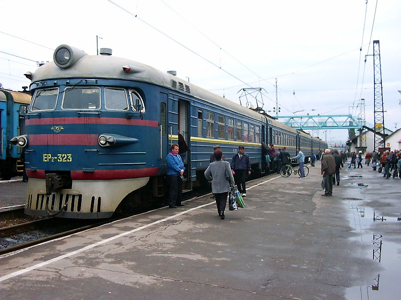 ЕР2-323 на ст. Мукачеве, Закарпатська обл.