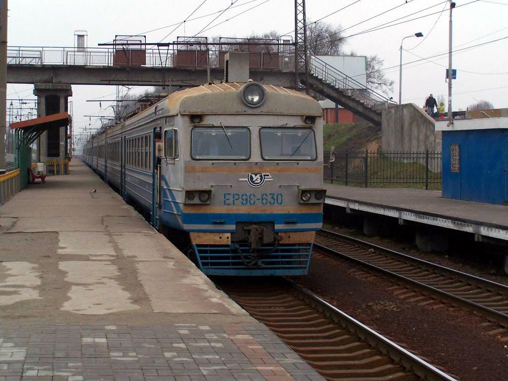 ЕР9е-630 на ст. Київ-Волинський