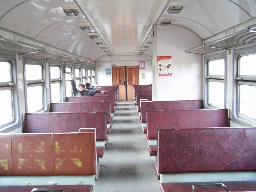Салон електропоїзда ЕР9м-540