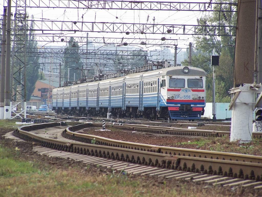 ЕР9м-556 на ст. Київ-Московський