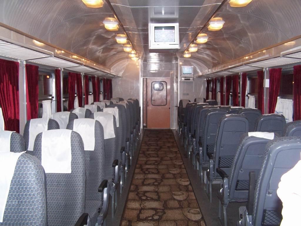Салон 2 класу електропоїзду підвищеної комфортності ЕР9е-631