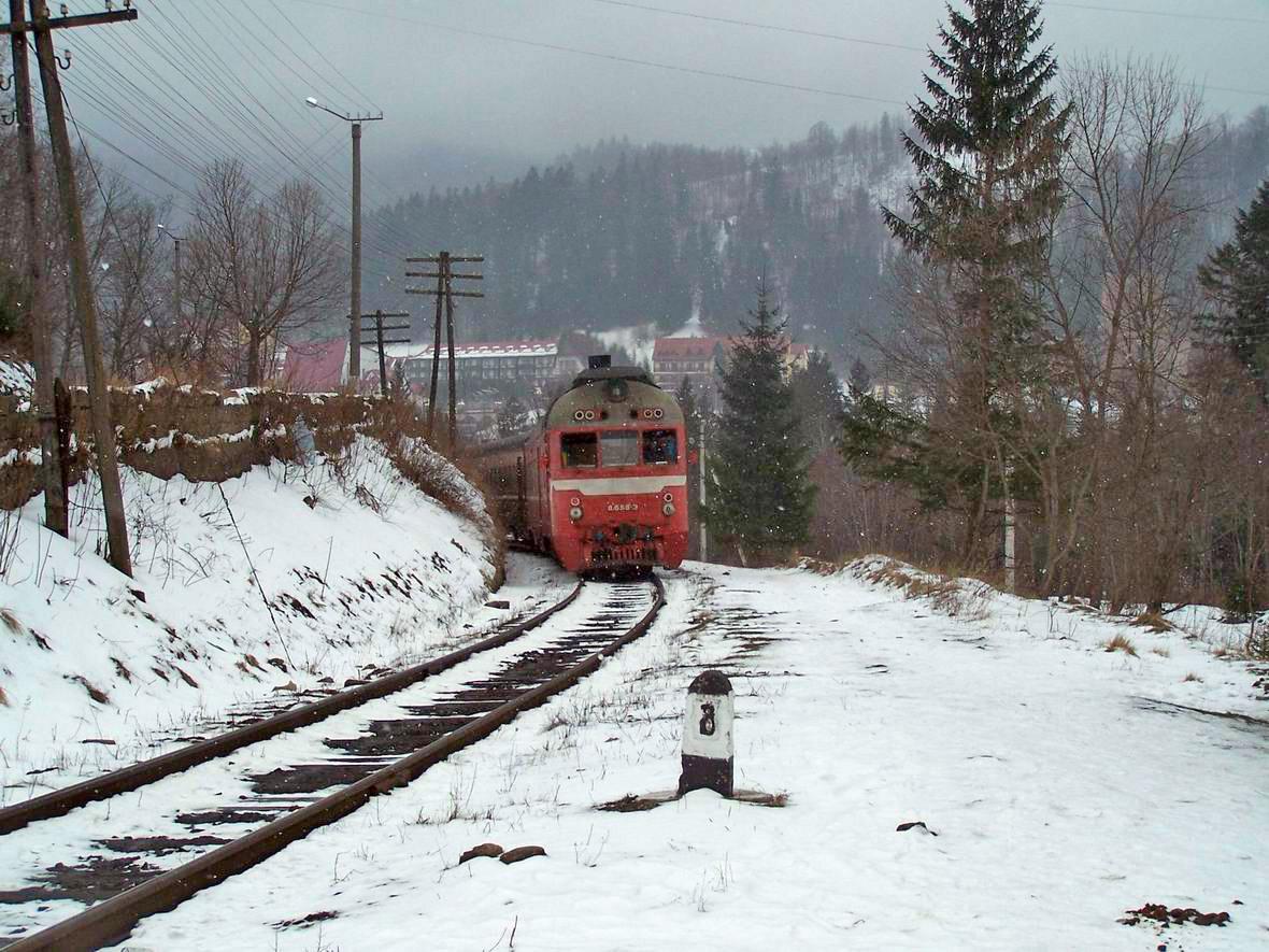 Дизель-поїзд Д1-757/658, перегон Яремча-Микуличин, м. Яремче