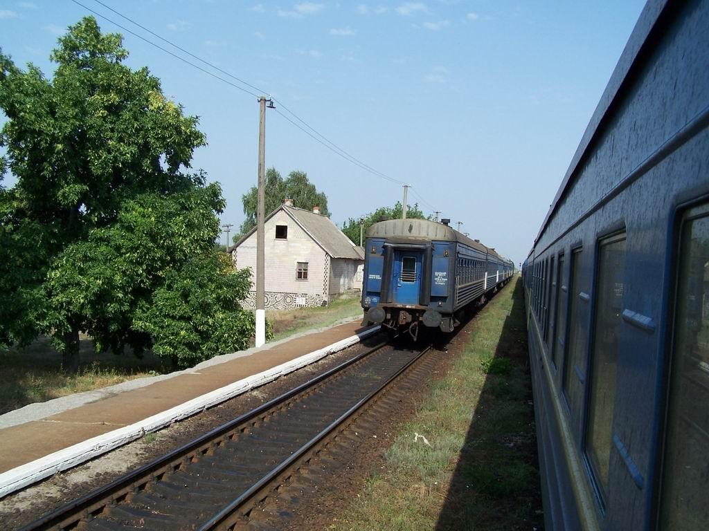 Поїзд Керч-Херсон на ст. Воїнка, Херсонська обл.