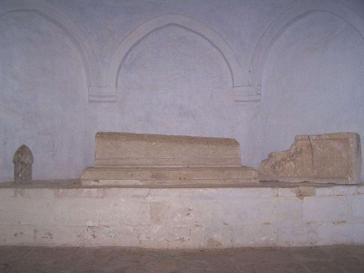 Печерне місто Чуфут-Кале. Гробниця ханівни