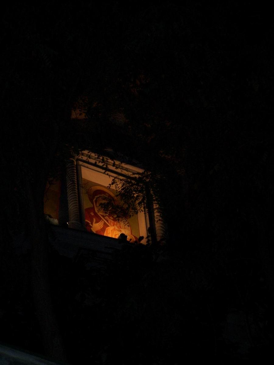 Успенський печерний монастир вночі