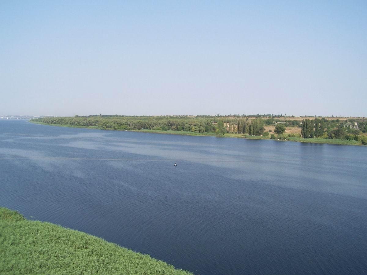 Дніпро на околицях Херсона
