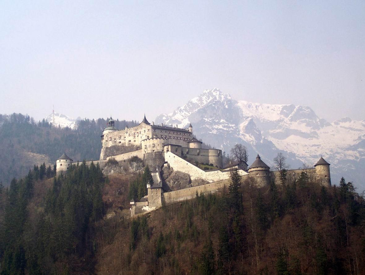 Замок Хоенверфен, Австрія