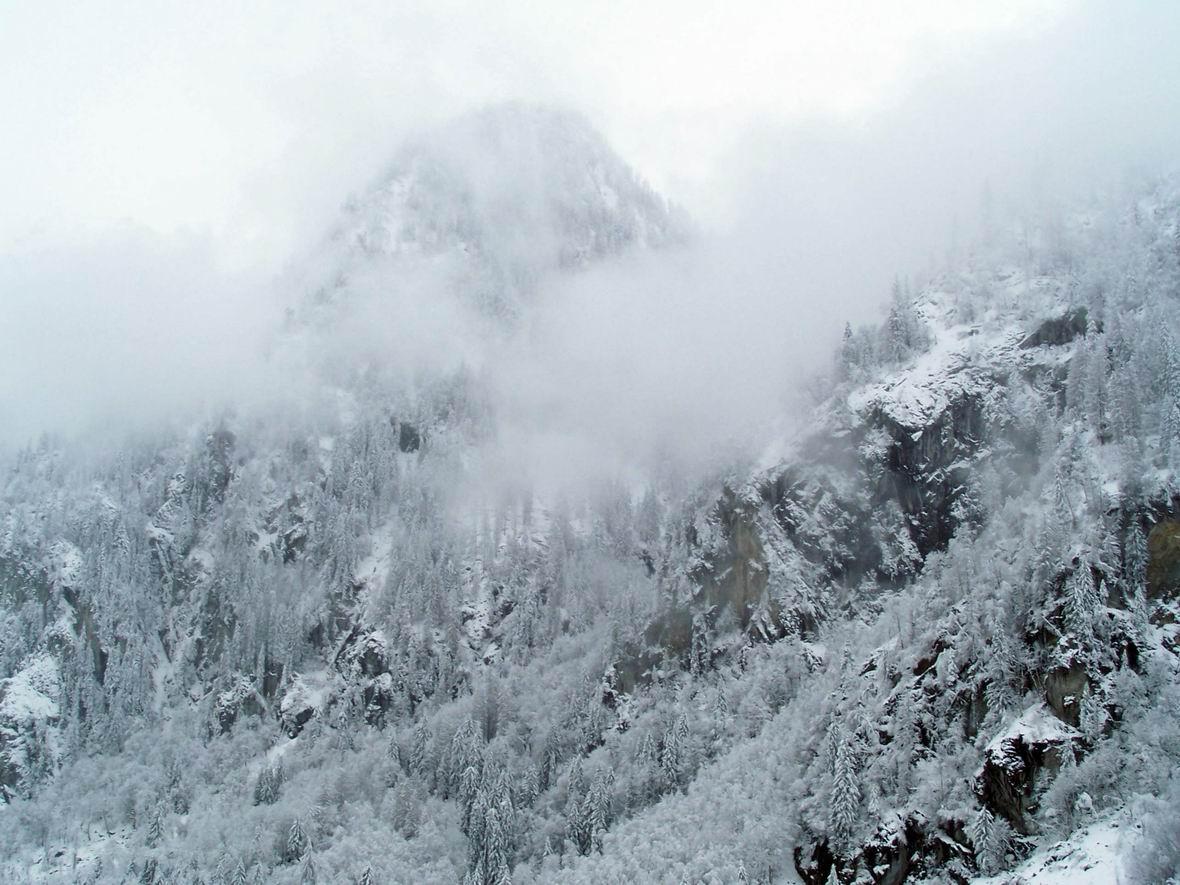 Альпи в снігу, околиці м. Капрун, Австрія