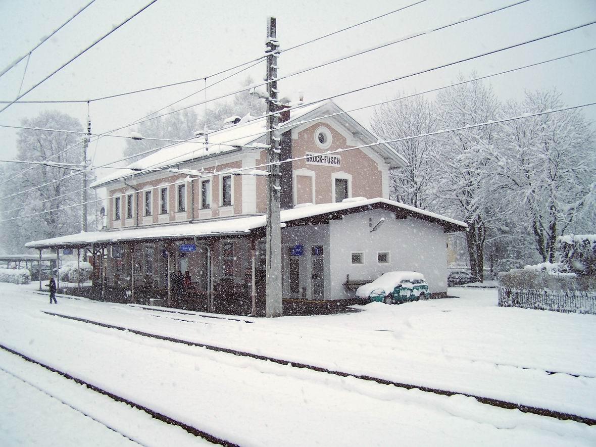 станція Брюк-Фуш, Австрія