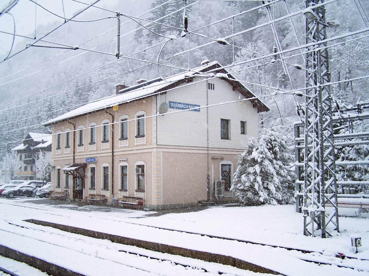 Станція Таксенбах-Рауріс, Австрія
