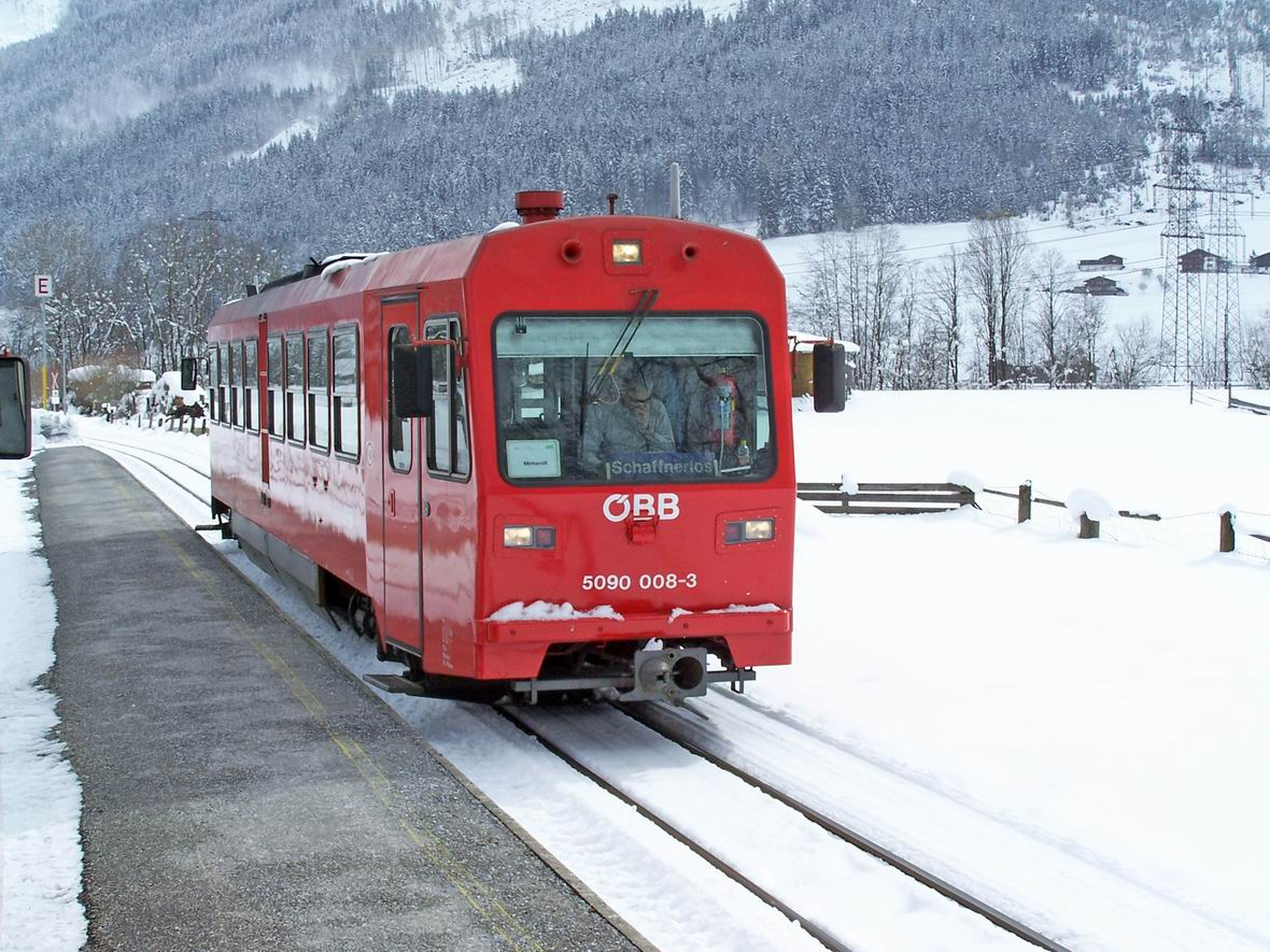 Рейковий автобус 5090.008-3, ст. Уттендорф-Штубахталь вузькоколійної дороги Пінцгау, Австрія